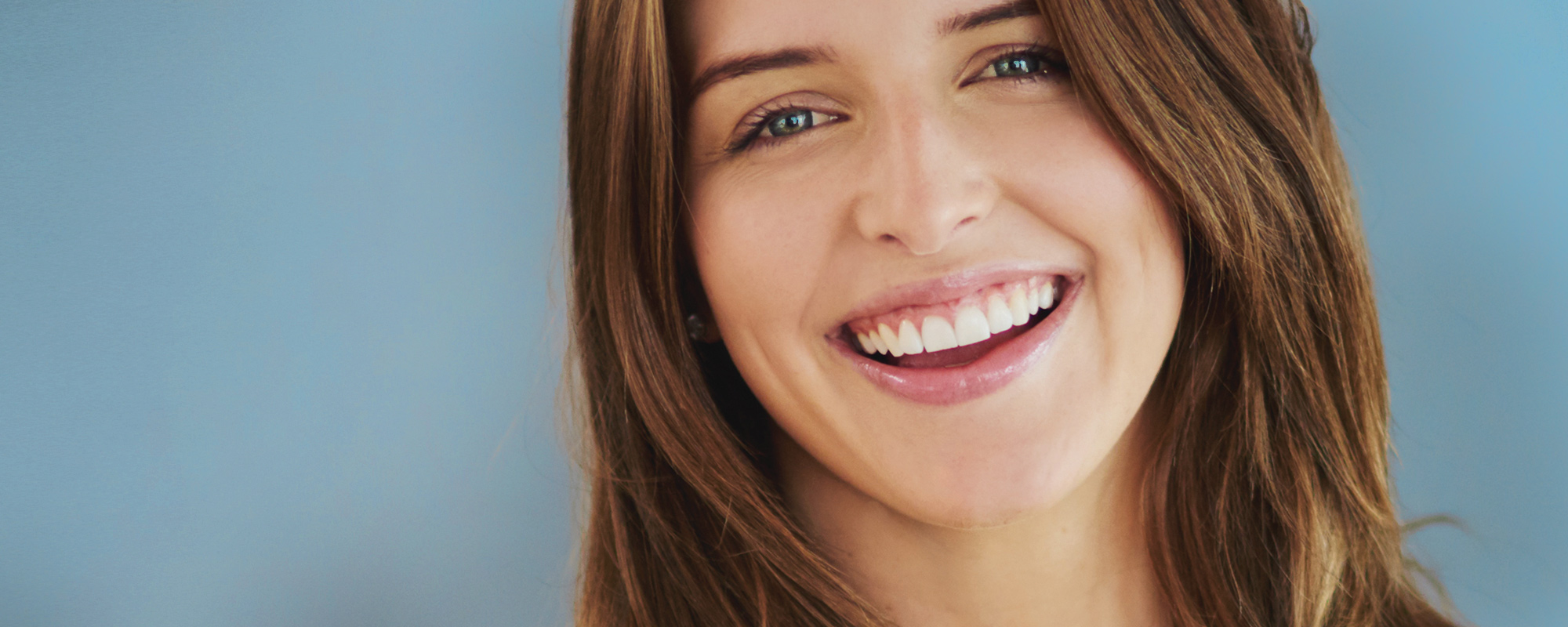 Keeping your </br>teeth healthy and </br>your smile bright.